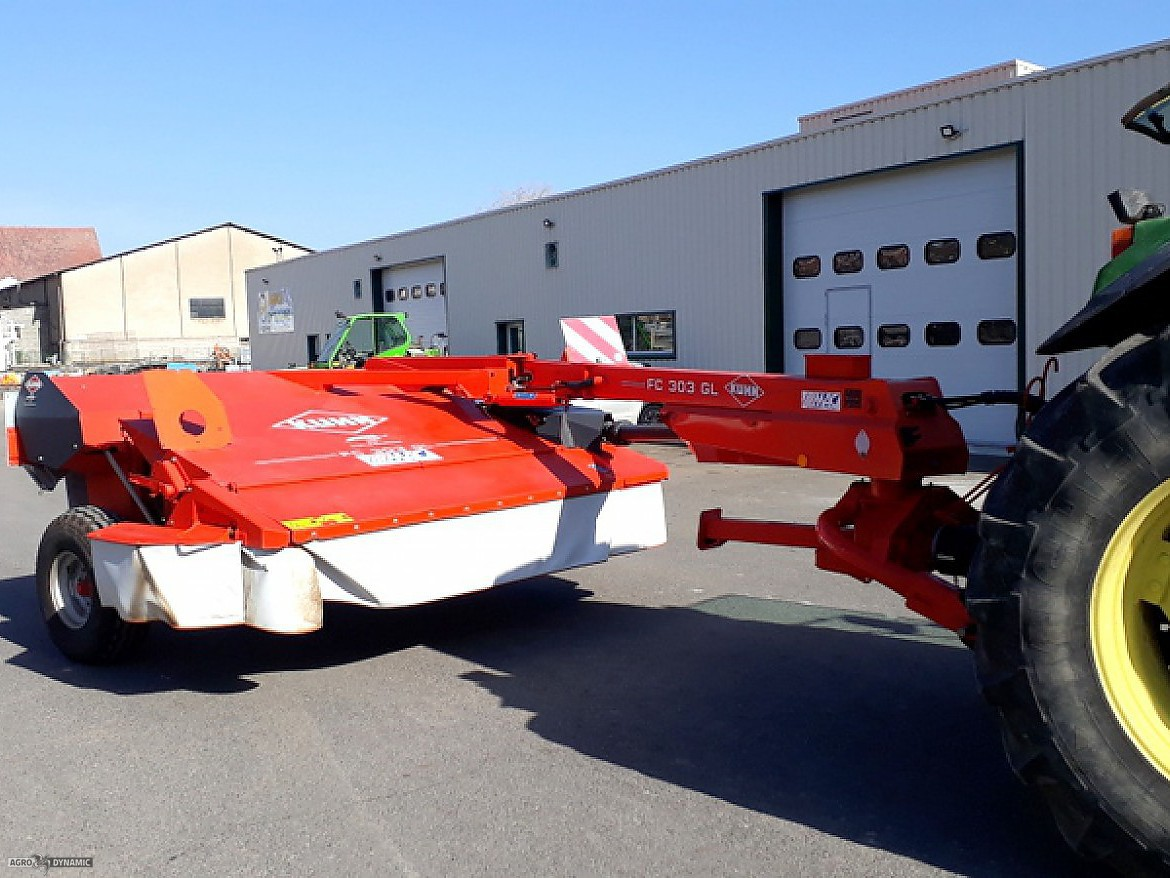 FAUCHEUSE CONDITIONNEUSE KUHN
