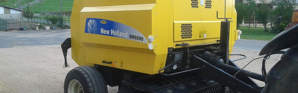 PRESSE BALLE RONDE NEW HOLLAND MODELE 6090
